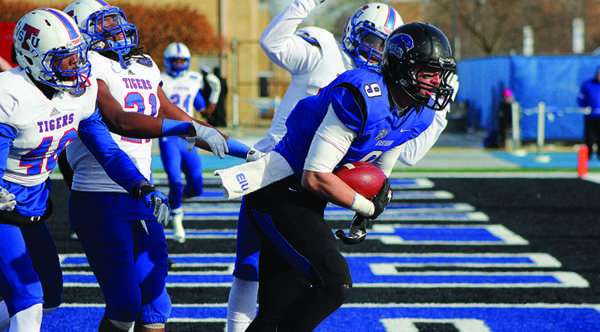 OVC's top offense, defense meet at Homecoming