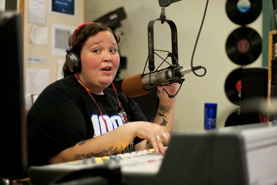 Hit-Mix 88.9 WEIU wins spot on top 10 college radios list