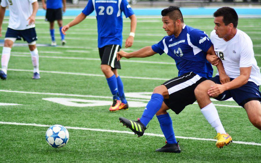 Men's soccer picked last in SummitLeague
