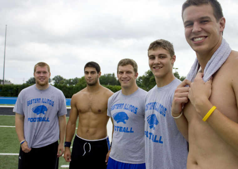 Photo: Young quarterbacks make most of oppotunities