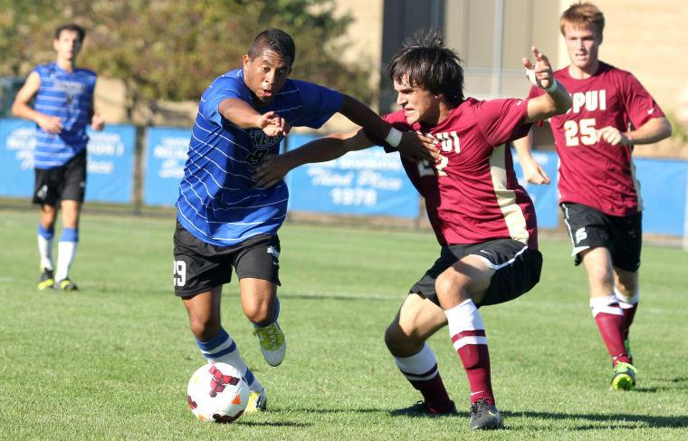 Photo: Eastern ties in first league match