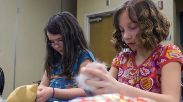 Photo: Service Spring Break Camp brings helpful hands to community