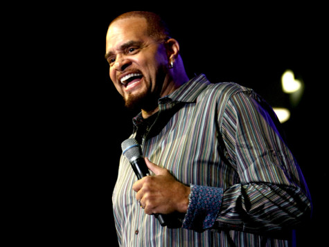Sinbad jokes about Charleston, college life