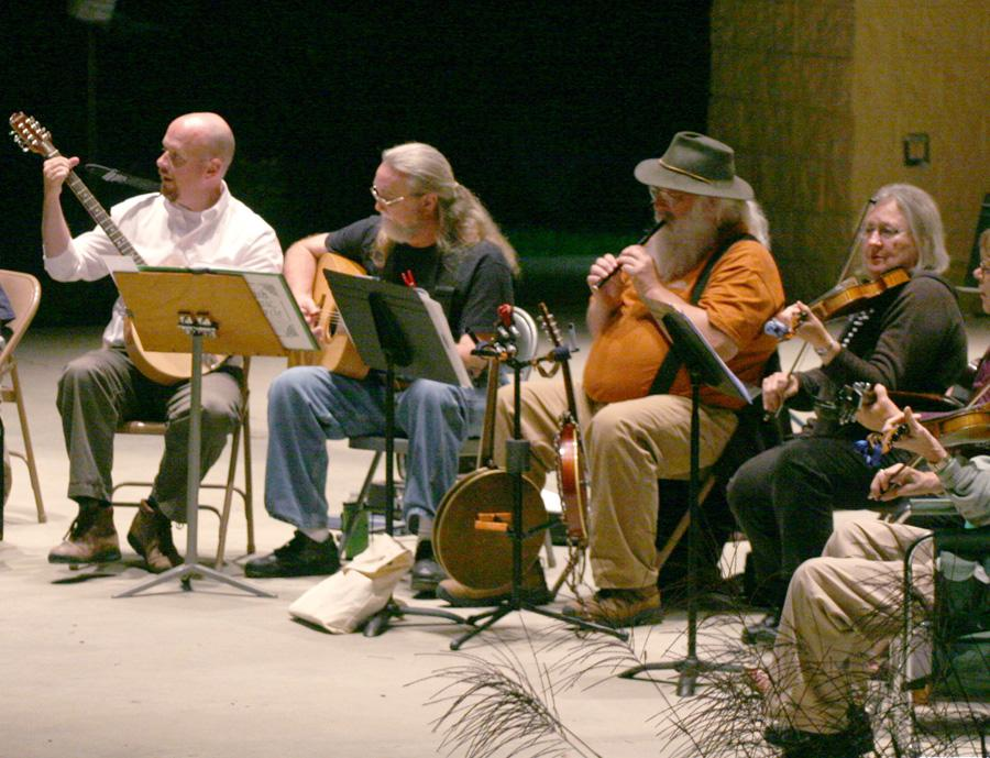 Irish+Music+Circle+brings+folk+tunes+to+park