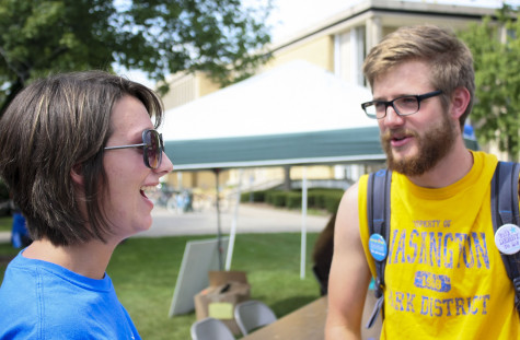 Students donate their time for volunteer fair