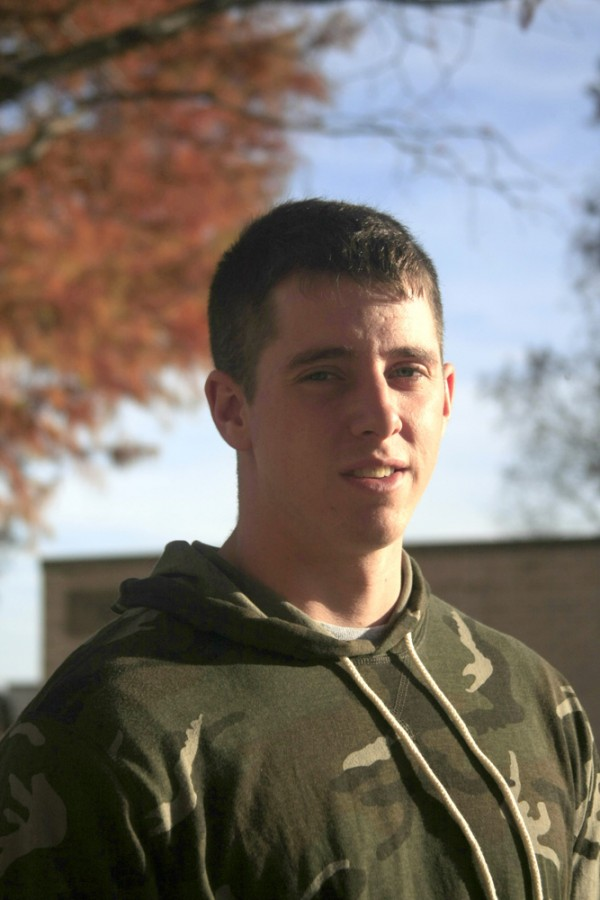 Zach+White%2C+a+senior+sociology+major%2C+explains+why+he+enlisted+in+the+army+and+what+it+is+like+being+a+student-veteran.
