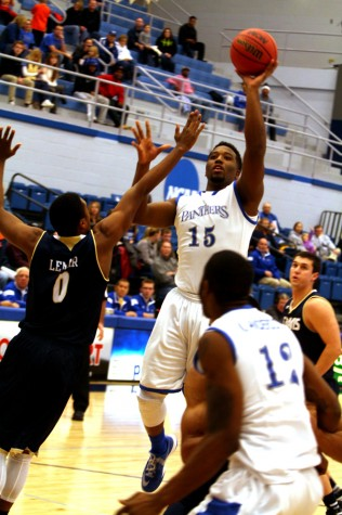 Eastern comes up short to UC Davis, 63-61