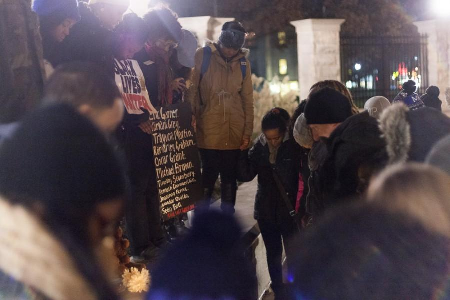 Students+pray+outside+the+gates+at+Old+Main+on+Tuesday.++The+event%2C+sponsored+by+the+Performing+Arts+for+Effective+Civic+Education+student+organization%2C+was+a+solidarity+march+from+Carmen+Hall+to+Old+Main+for+the+events+in+Ferguson%2C+Missouri.