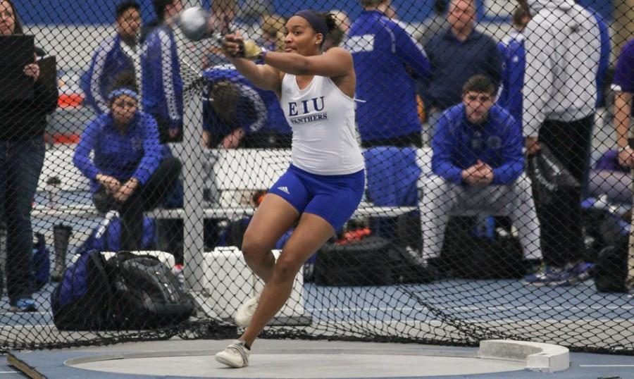 Senior+thrower+Condia+Smith+throws+the+hammer+on+Jan.+25+in+the+Lantz+Field+House+during+the+John+Craft+Invite.