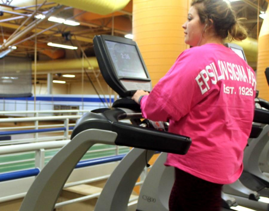 Hillarie Henninger,a senoir psychology major, works out Wednesday at the Student Recreation Center.