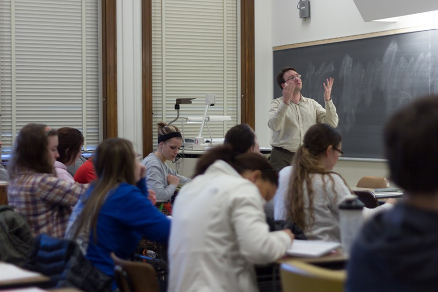 Professor+Peter+Wiles+begins+teaching+his+%22Teaching+Mathematics+6-9%22+class+on+Tuesday+in+Old+Main.