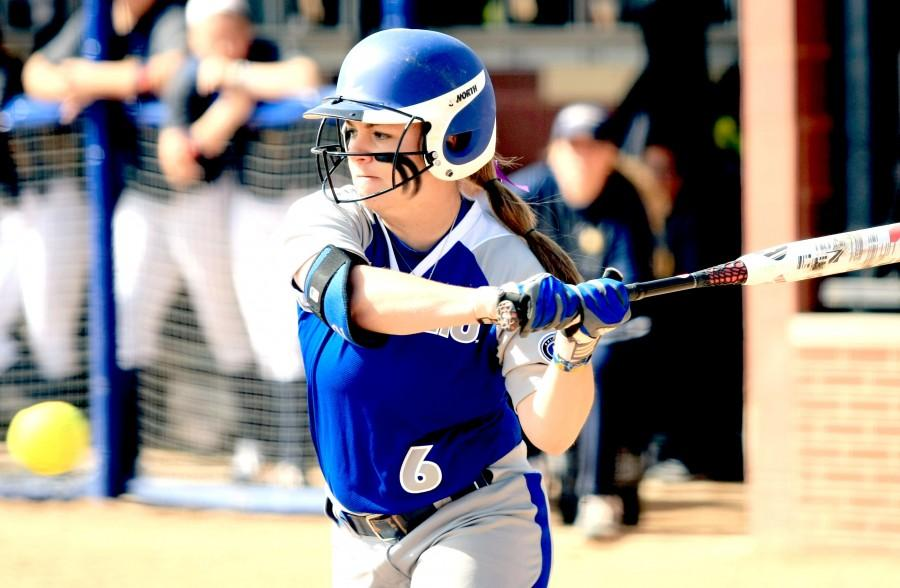 Haylee+Beck%2C+a+junior+outfielder%2C+attempts+to+get+a+hit+in+the+softball+game+Monday+at+Williams+Field+against+Murray+State.+Beck+managed+one+hit+in+the+game.
