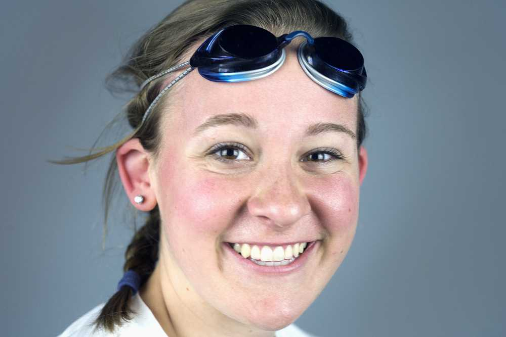 Freshman swimmer Amy Smith is transferring to the University of Iowa after having a memorable year during her first year at Eastern. Smith set two new school records for the Panthers this year.