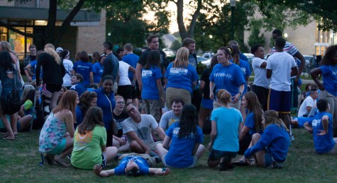 Prowl leaders and students participate in the new student mixer on the South Quad on Thursday.