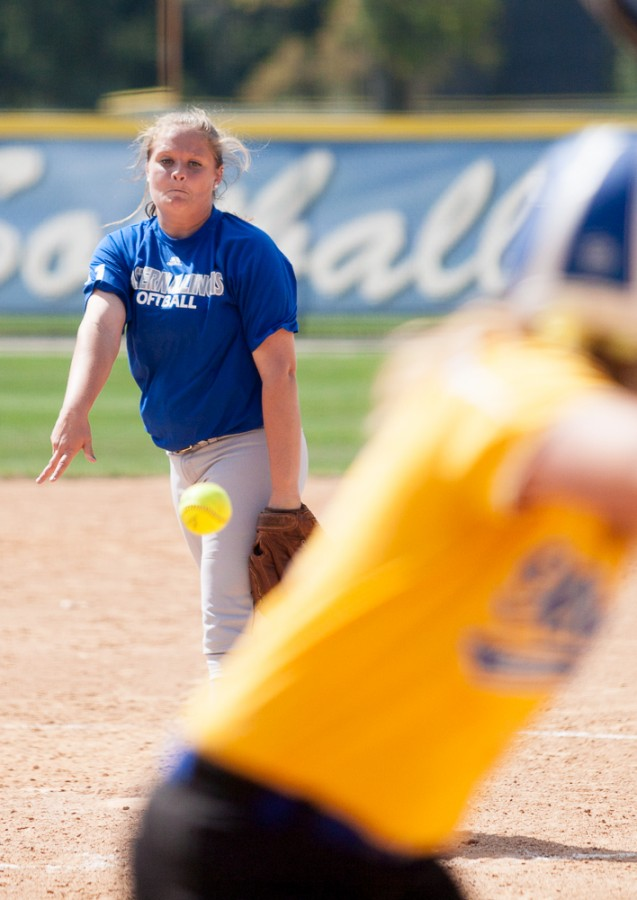 Sophomore+pitcher+Michelle+Rogers+throws+out+a+pitch+during+the+Panthers%27+6-1+win+against+Illinois+Central+College+on+Sept.+27%2C+2014+at+Williams+Field.+The+Panthers+face+Danville+Area+Community+College+in+a+doubleheader+on+Friday.