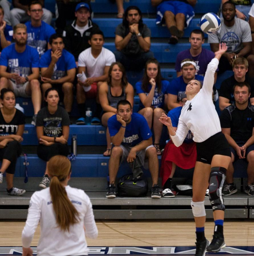 Senior+outside+hitter%2Fsetter+Abby+Saalfrank+had+nine+kills+and+four+errors+out+of+four+sets+played+during+the+Panthers%27+3-1+loss+to+Indiana+State+on+Sept.+1+in+Lantz+Arena.