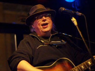 Mike Felten, chicago singer-songwritter to perform Whered you get that dress Saturday during the Halloween Party in the JAC.