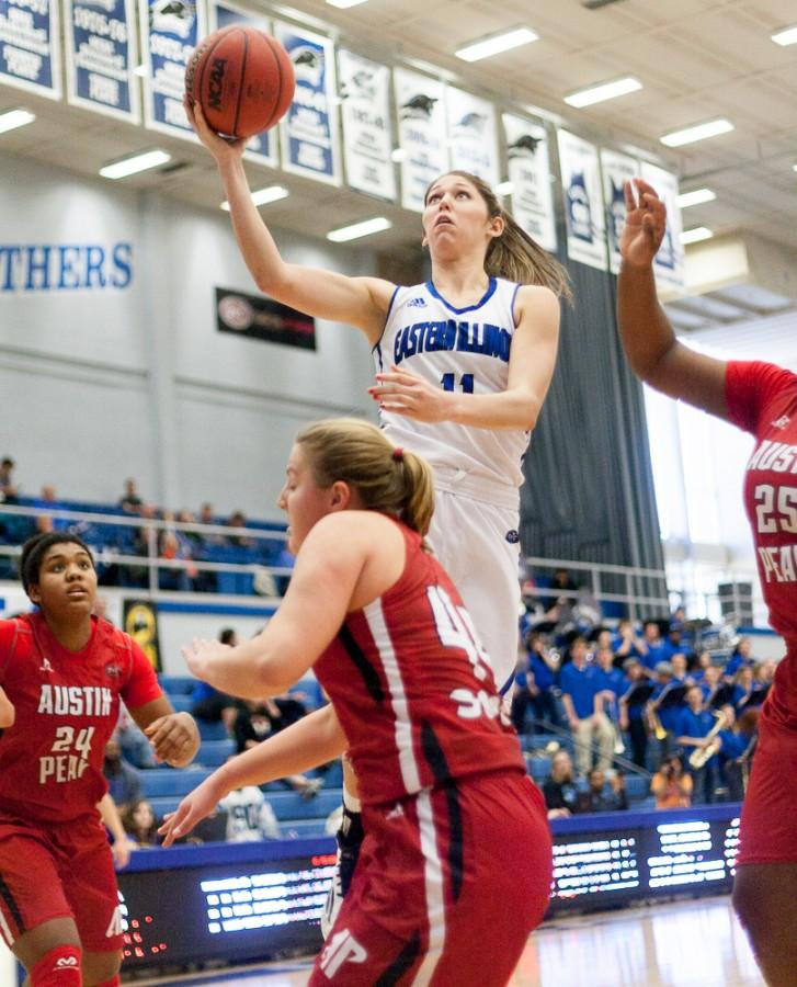 Junior+forward+Erica+Brown+goes+up+for+the+layup+during+the+Panthers%27+66-63+loss+against+Austin+Peay+on+Jan.+24+in+Lantz+Arena.