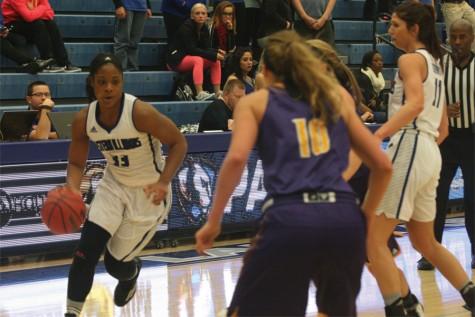 Eastern women's basketball falls toWestern