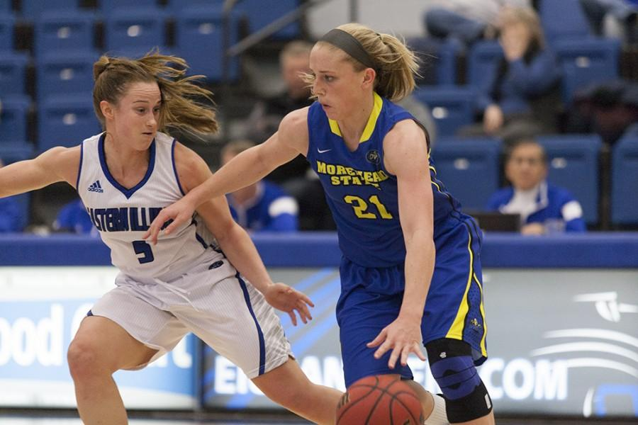 Sophomore+guard+Grace+Lennox+scored+nine+points+in+the+Panthers%27+85-77+loss+to+Morehead+State+on+Jan.+16+in+Lantz+Arena.+Lennox+also+had+nine+points+during+the+Panthers%27+85-77+loss+to+Southern+Illinois-Edwardsville+on+Saturday+in+Vadalabene+Center+in+Edwardsville%2C+Ill.