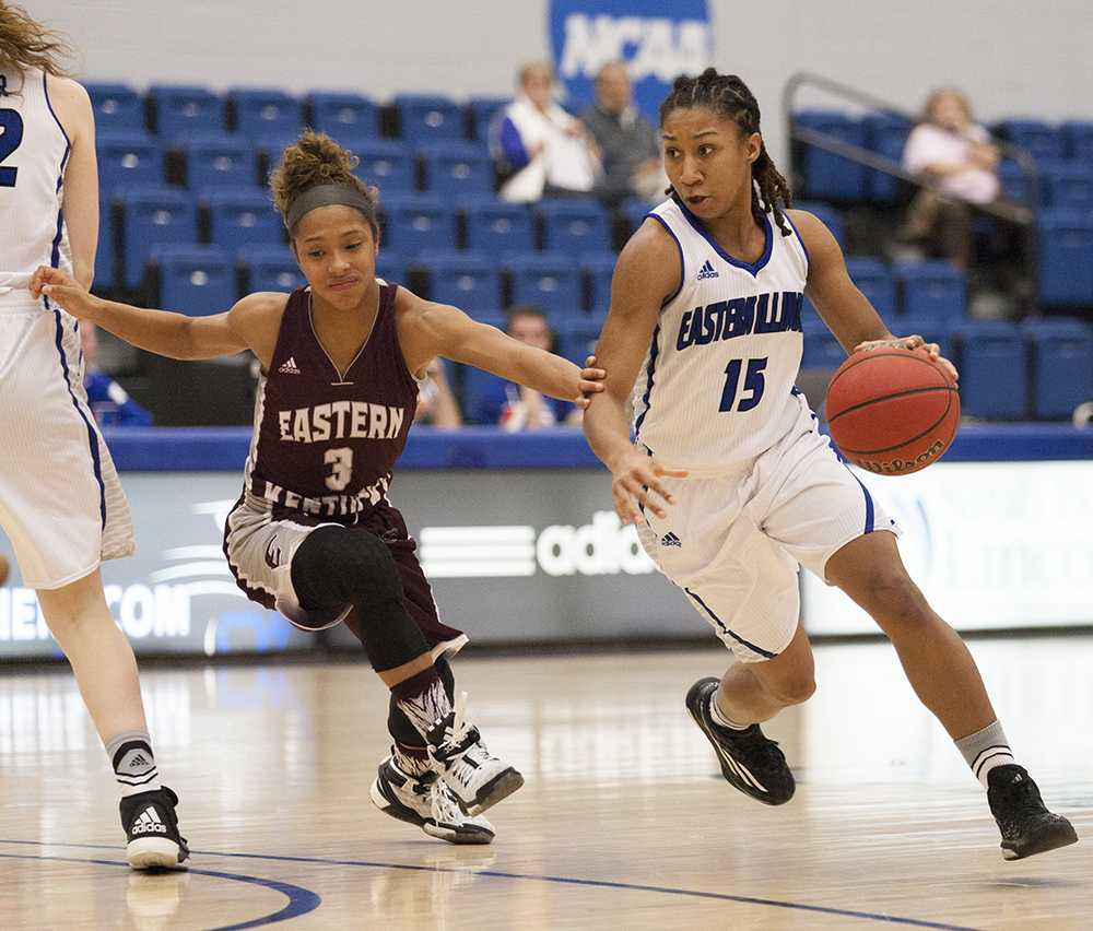 Sophomore guard Mariah Madison has 49 points averaging 2.9 points  in 17 games played on the season.