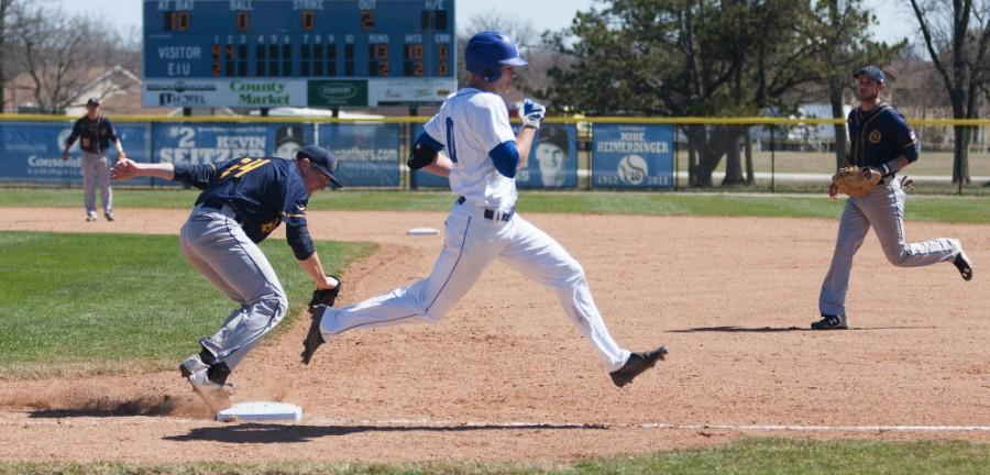 Sophomore+outfielder+Joseph+Duncan+narrowly+makes+it+to+first+during+the+Panthers%27+18-7+loss+to+Murray+State+on+March+28+at+Coaches+Stadium.++Duncan+had+one+run+on+two+hits+during+four+at+bats+during+the+game.