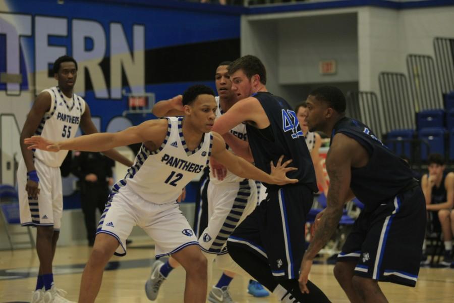 Men%E2%80%99s+basketball+team+finishes+regular+season+at+home