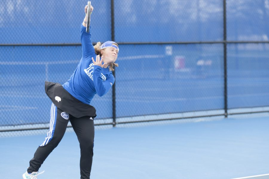 Sophomore Grace Summers defeated Belmont's Suzanna Stapler 6-1 and 6-0 on April 1 at the Darling Courts.