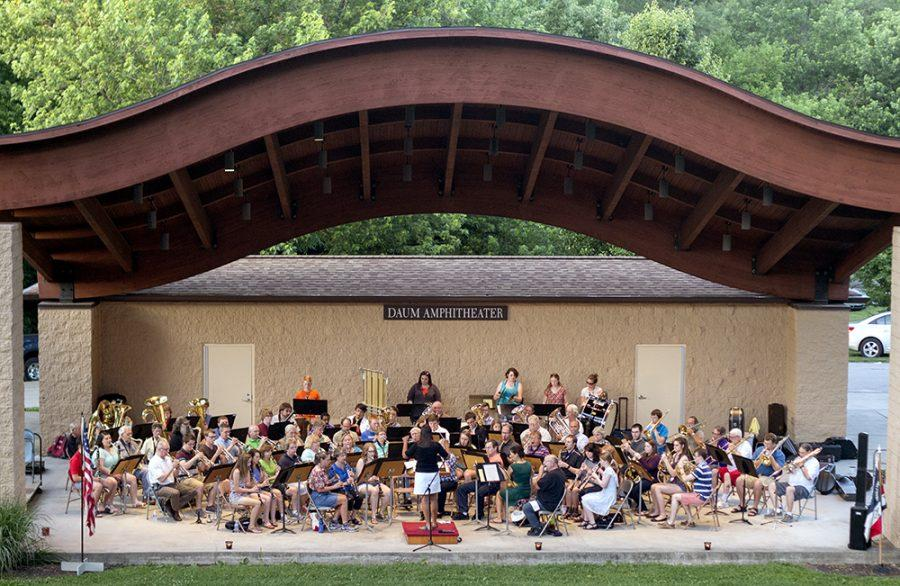The+Charleston+Community+Band+plays+%E2%80%9CDancing+Queen%E2%80%9D+by+Abba+Thursday+in+Kiwanis+Park.+This+group+consisted+of+71+local+instrumentalists+with+ages+ranging+from+13+to+90.