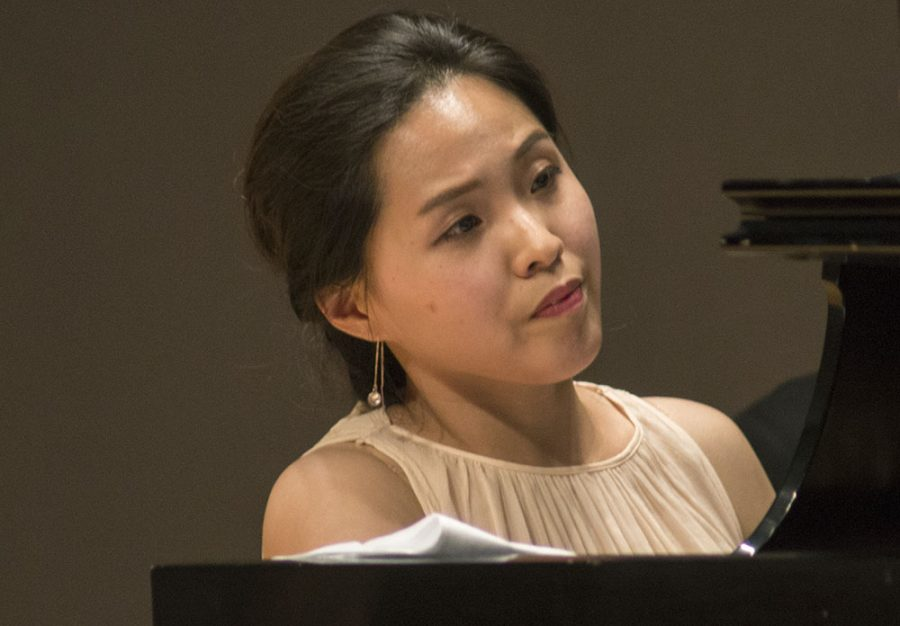 Marina+Hwang%2C+Eastern+alumnae%2C+plays+%E2%80%9CSpring+Sonata%E2%80%9D+during+the+%E2%80%9CGuest+Artist+Recital+Series%E2%80%9D+in+the+Recital+Hall+of+the+Doudna+Fine+Arts+Center+Friday.