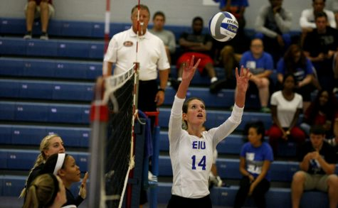 Volleyball team finishes up non-conference play