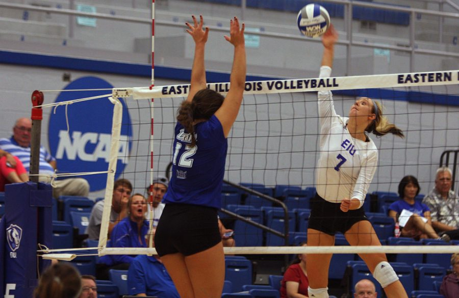 Sophomore+outside+hitter+Taylor+Smith+kills+the+ball+during+the+Panthers%E2%80%99+match+against+Drake+on+Sept.+9%2C+2016%2C+in+Lantz+Arena.+Eastern+lost%2C+3-1.+The+Panthers+return+home+tonight+to+face+Belmont.