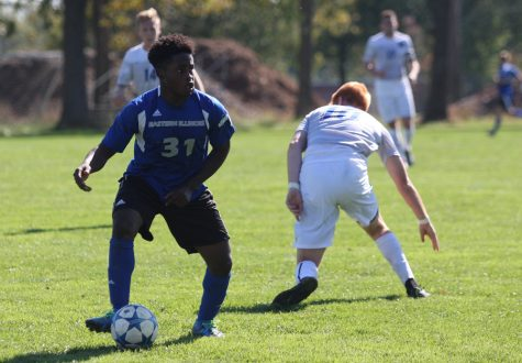 Sophomore midfielder Kris Luke gets past a Fort Wayne opponent during the Panthers' 1-0 win Sunday, Oct. 23, at the west practice field.