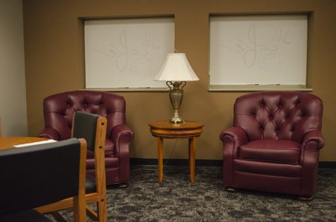 The cafe of Klehm Hall received new furniture donated by Mike Shelton in memory of his wife, and Eastern alumnus Linda Shelton. Linda Shelton was on the hospitality advisory board at Eastern and Mr. Shelton said the cafe was the appropriate place to donate the furniture.