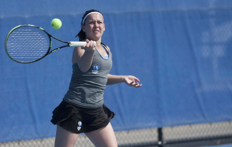 Freshman+Emily+Pugachevsky+returns+the+ball+in+her+singles+match+against+EKU.+Pugachevsky+said+she+plays+tennis+for+the+adrenaline+rush.