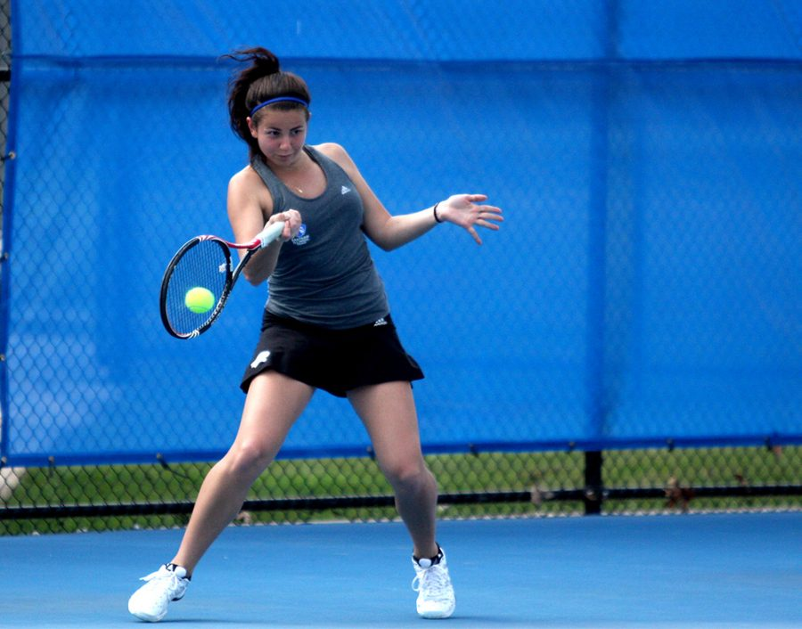 Junior+Maria+Mosteva+sends+the+ball+back+to+her+EKU+opponent+in+her+singles+match+March+24+at+the+Darling+Courts.