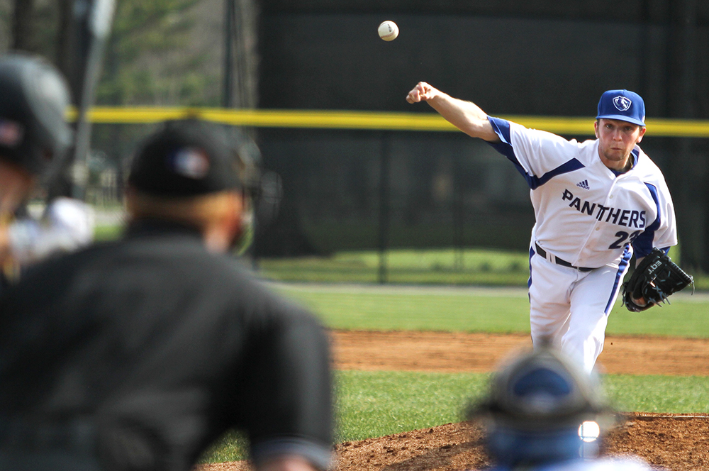 Senior+pitcher+Michael+McCormick+delivers+a+pitch+Friday%2C+March+24+at+Coaches+Stadium.+McCormick+%281-4%2C+6.34+ERA%2C+31+BB%2C+37+K%29+will+start+game+2+of+the+weekend+series+at+Moorehead+State.