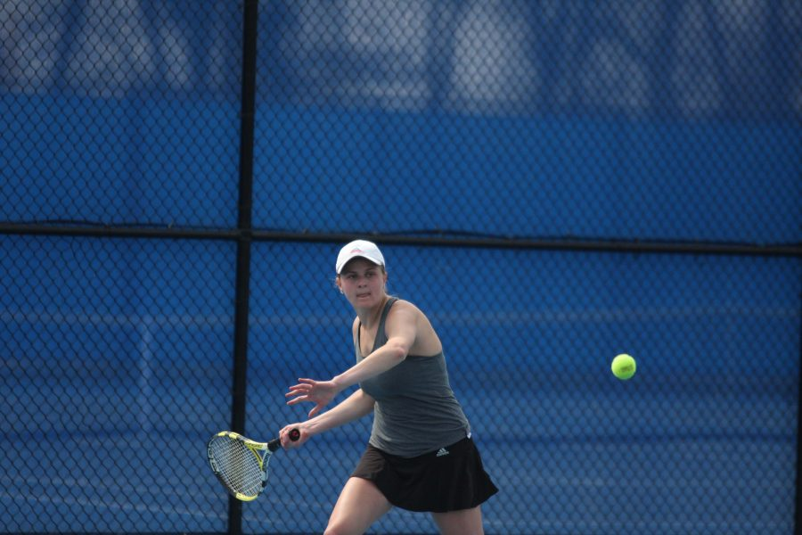 Senior+Kelly+Iden+won+OVC+player+of+the+week+for+last+weekend%27s+matches%2C+going+undefeated+against+Tennesse+State+and+Belmont.