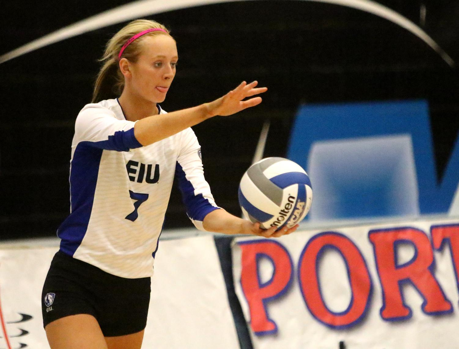 Junior setter Taylor Smith prepares to serve to Austin Peay Friday. Smith led the team in service aces with two.