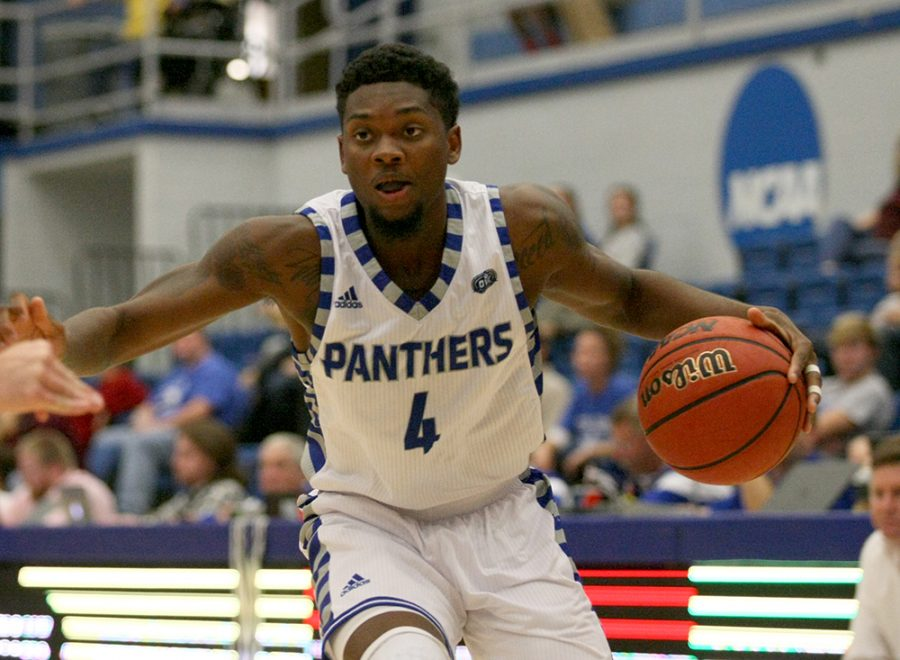 Senior+Montell+Goodwin+drives+to+the+basket+in+the+Panthers%E2%80%99+94-58+win+in+Lantz+Arena+Nov.+2016.+Eastern+hosts+Illinois+Friday+night.
