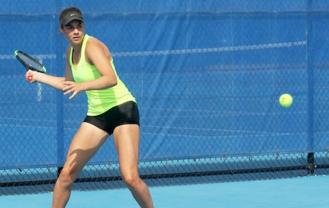 Eastern's tennis teams complete alumni weekend