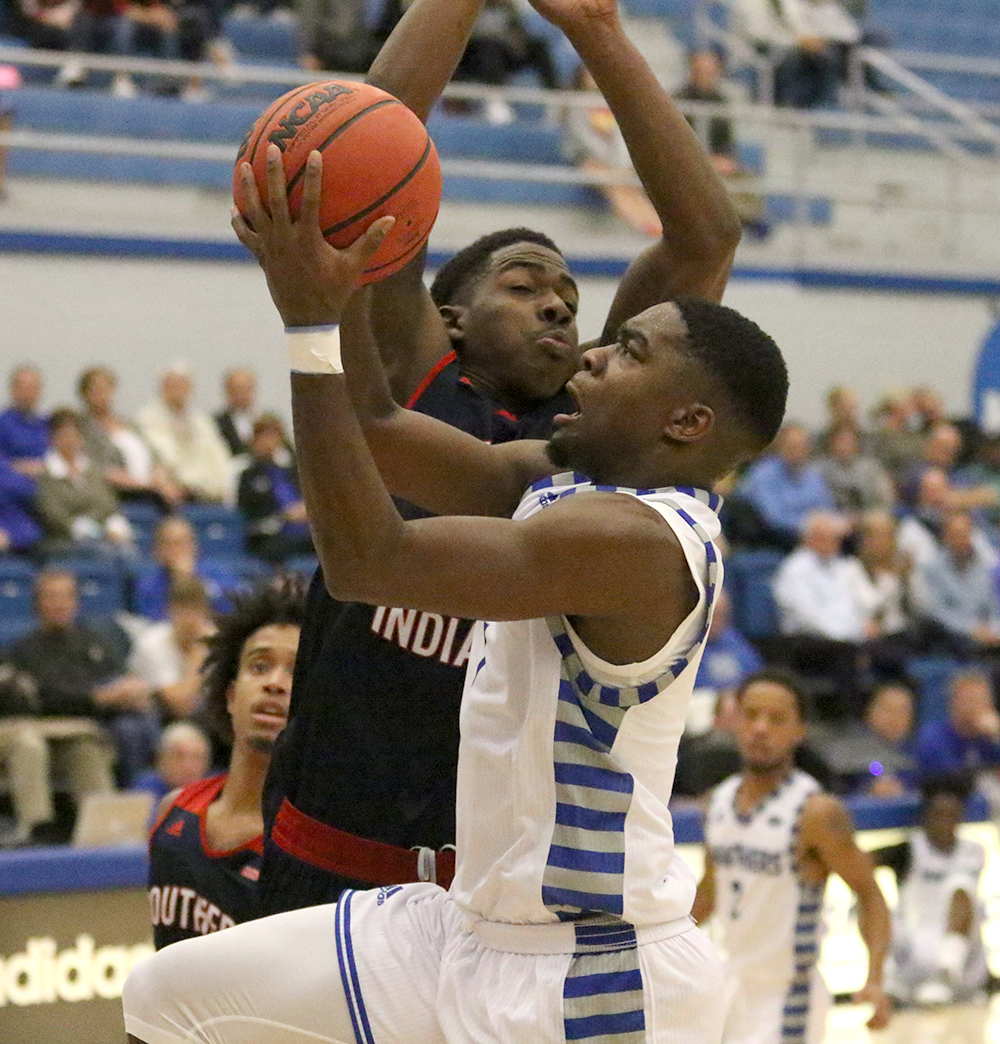 D'Angelo Jackson goes up for a layup against a Southern Indiana defender. The Panthers lost 95-92 Monday night at Lantz Arena.