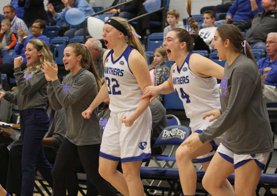 Assistant+coach+Kyley+Simmons%2C+Grace+Lennox%2C+Jennifer+Nehls%2C+Grace+McRae+and+Lana+Marov+celebrate+the+Panthers%E2%80%99+win+over+No.+2+Southern+Illinois+Edwardsville+Saturday+in+Lantz+Arena.+It+was+the+Panthers%E2%80%99+third+win+of+the+season.