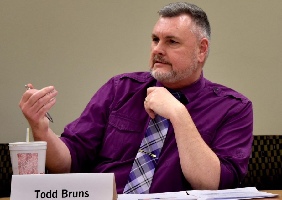 Todd+Bruns%2C+the+institutional+repository+librarian+and+member+of+the+Faculty+Senate%2C+was+a+part+of+the+Workgroup+Review+Committee+whose+final+recommendations+were+discussed+during+a+Senate+meeting+Tuesday+in+Booth+Library.+