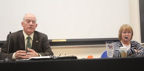 Bell, Davis discuss taxes during candidate forum