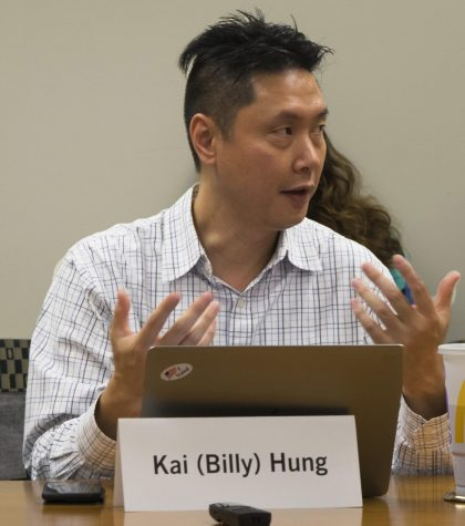 Billy Hung, the Faculty Senate recorder and biological sciences professor, at the Faculty Senate meeting Tuesday in Booth Library.