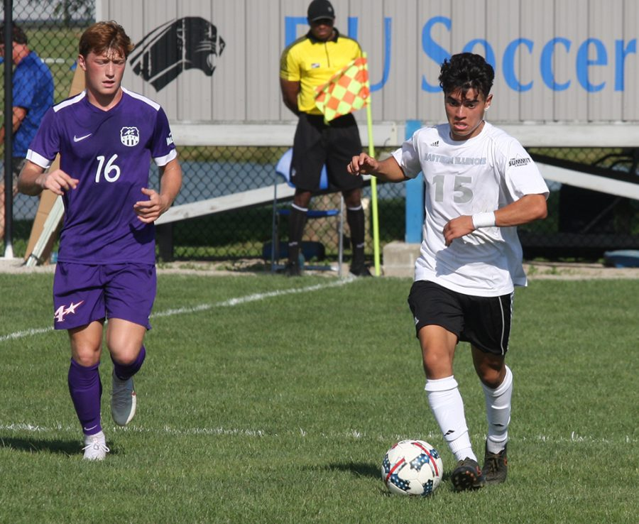 Eastern+redshirt-freshman+Zabdiel+Justiniano+dribbles+a+ball+in+a+match+against+Evansville+at+Lakeside+Field+on+Aug.+31.+Eastern+tied+with+the+Purple+Aces+1-1.