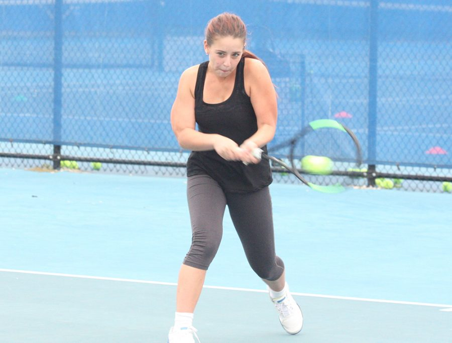 Eastern+junior+Emily+Pugachevsky+returns+a+ball+in+a+practice+this+fall+at+the+Darling+Courts.+Pugachevsky+lost+her+opening+match+at+the+ITA+Regional+Tournament+in+Ann+Arbor%2C+Mi.