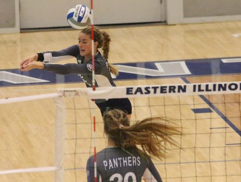 Eastern volleyball team closes season, falls short of playoffs