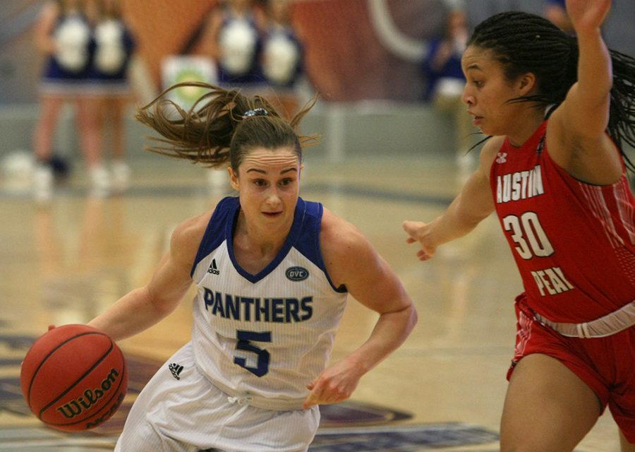 Eastern+guard+Grace+Lennox+drives+the+basket+in+a+70-63+loss+to+Austin+Peay+on+Jan.+19.+Lennox+and+the+Panthers+lost+to+Southeast+Missouri+72-57+on+Saturday.